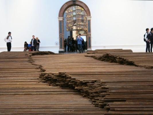 03_Straight_Ai Weiwei